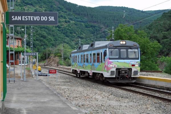 [:es]Dos nuevas rutas urbanas para los trenes turísticos de GaliciaDúas novas rutas urbanas para os trens turísticos de GaliciaTwo new urban routes for the tourist trains of Galicia