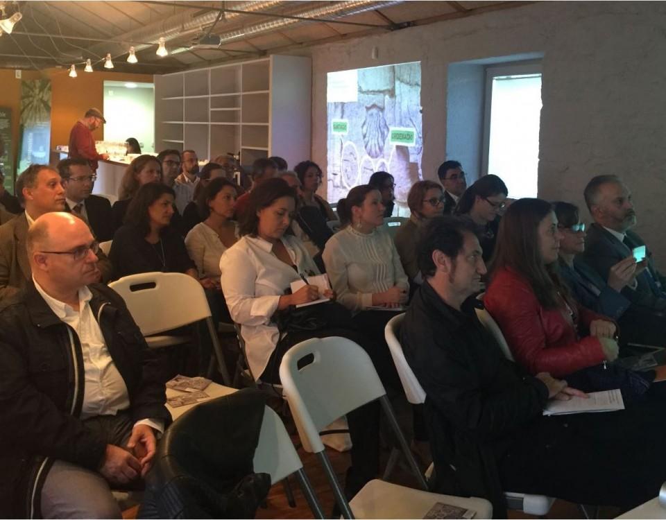asistentes acto Foro Turismo Santiago